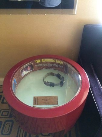 Planet Hollywood Resort & Casino: Neck band worn in the movie Running Man