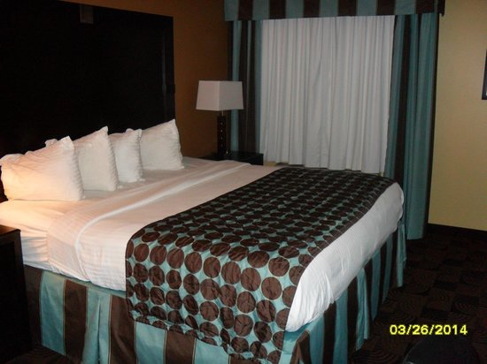 Best Western Saraland Hotel & Suites: Super Comfy King Bed