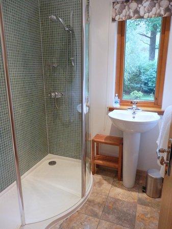 Strath Lodge Glencoe: Rannoch Room bath