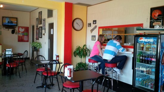 The Sandwich Shoppe: Cozy and comfortable
