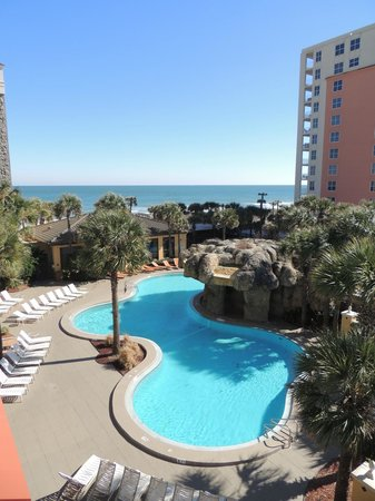 Hampton Inn Jacksonville Beach/Oceanfront: pool view from balcony
