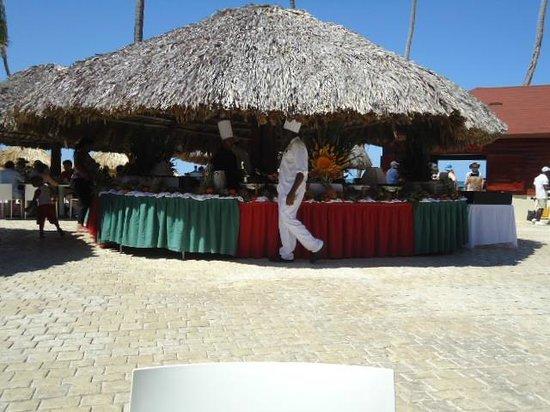 Bavaro Princess All Suites Resort, Spa & Casino : Próximo à praia