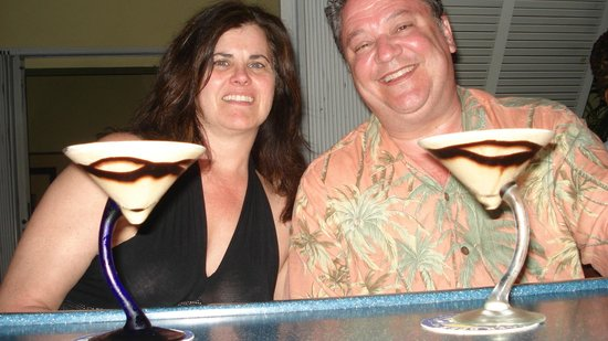 Buzz Seafood and Grill : Enjoying Mervin's double chocolate martinis...outstanding.