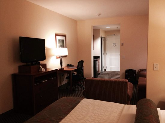 BEST WESTERN PLUS Westgate Inn & Suites: Very spacious king suite!