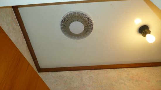 Apex on Fenton: dirty toilet exhaust fan