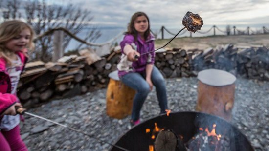 Kenai Peninsula Suites: Time for Smores!