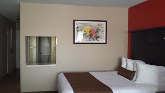 BEST WESTERN PLUS Dragon Gate Inn: Bedroom area