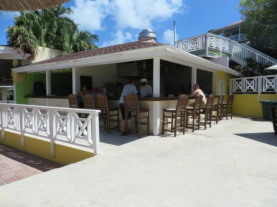 Pineapple Beach Club Antigua - All Inclusive: snack bar and activities desk