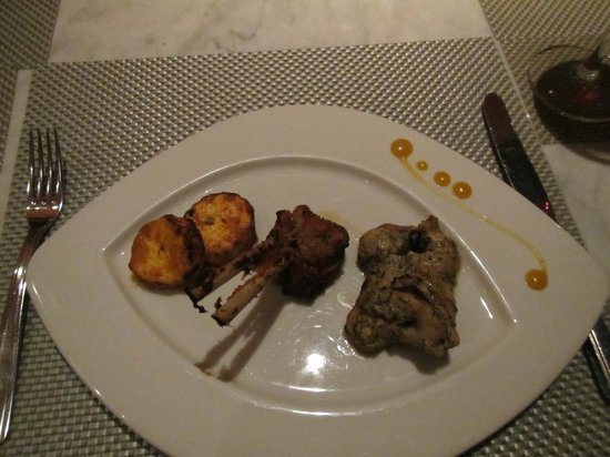 Masala Klub : The starters,  the lamb and chicken were tender and spicy