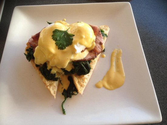 Alfresco's Restaurant and Bar : Eggs benedict