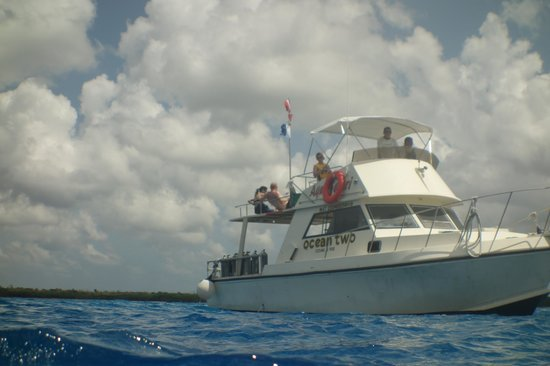Cozumel Palace: Ocean Two Dive Boat
