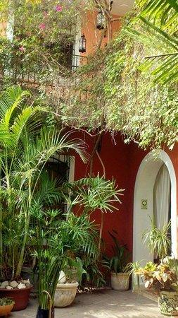 Hotel Julamis: Breakfast Courtyard