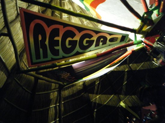 Royal Decameron Complex : Reggae night