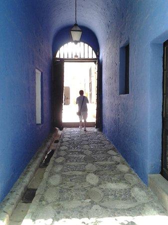 Casa del Moral: os longos corredores do casarão