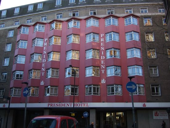 President Hotel: ホテル正面