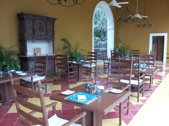 Hacienda San Jose, a Luxury Collection Hotel: Outdoor dining area