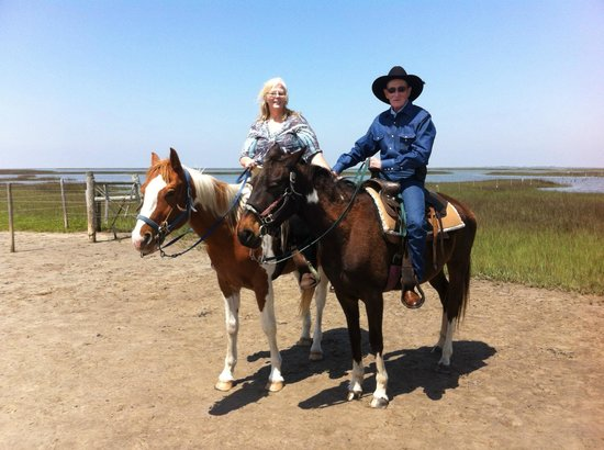 S-n-G Horseback Riding : Don and Debbie Straitwell