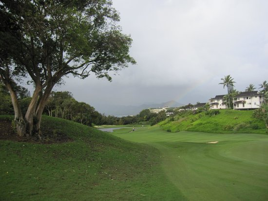 Princeville Makai Golf Club: Looking back to the bay on fairway #4