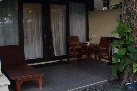 Impiana Resort Patong Phuket: room patio