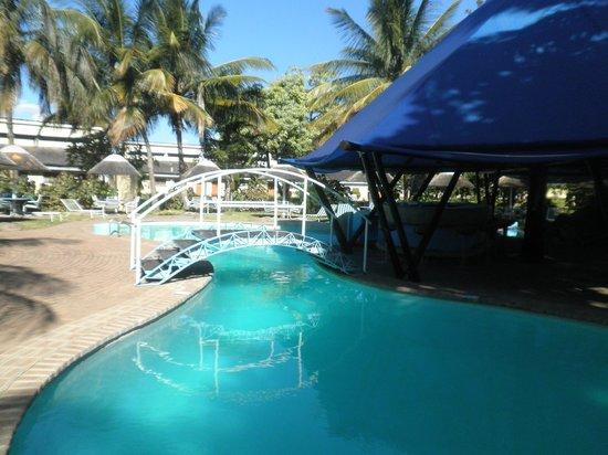 Sunbird Nkopola Lodge : the pool area