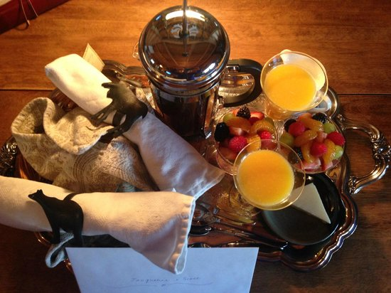 Banff Log Cabin B&B: Breakfast
