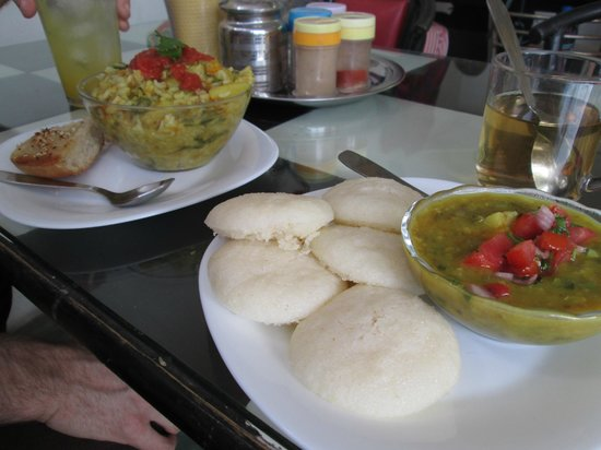 Aum Cafe : Kichiree and Idli