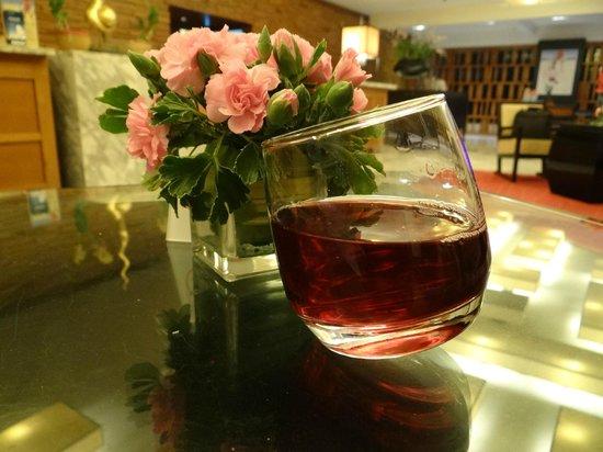 Ramada Plaza Bangkok Menam Riverside : Complimentary welcome drink