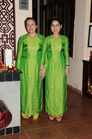 Vinh Hung Library Hotel: The Welcoming committee