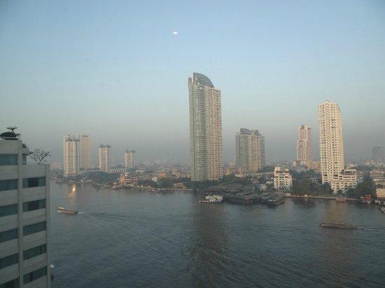 Ramada Plaza Bangkok Menam Riverside: View from our hotelroom