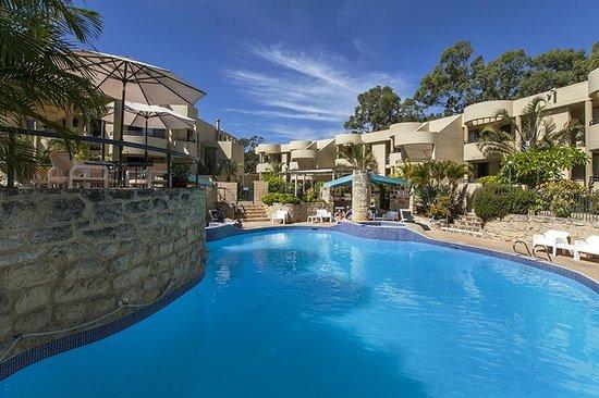 outdoor pool foto di silver sands resort mandurah. Black Bedroom Furniture Sets. Home Design Ideas