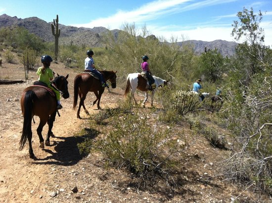 White Tanks Riding Stables: trail riding with kids