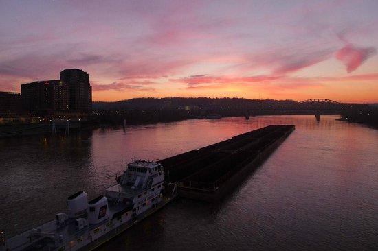 Roebling Suspension Bridge: barging in
