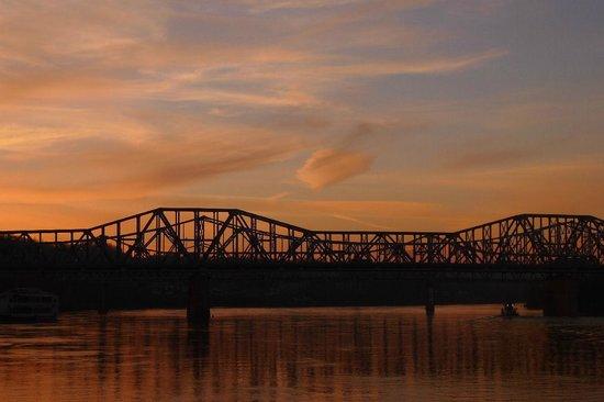 Roebling Suspension Bridge: sunset