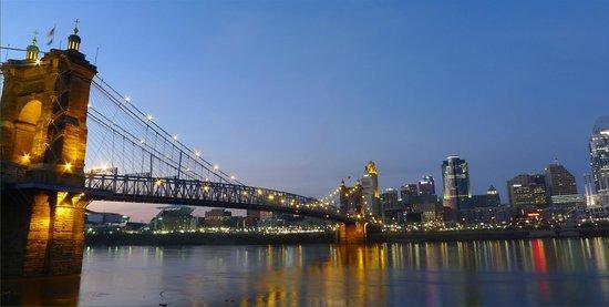 Roebling Suspension Bridge: nice lights