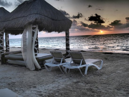 Azul Beach Hotel : Sunrise