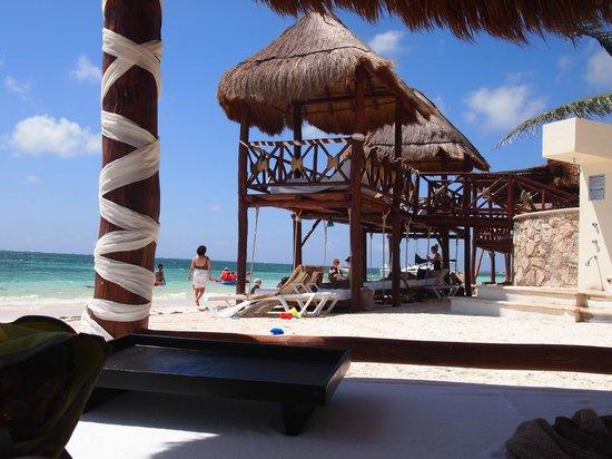 Azul Beach Hotel : Cabanas