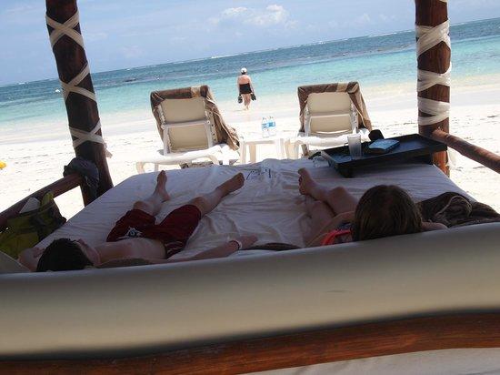 Azul Beach Hotel : View from cabana