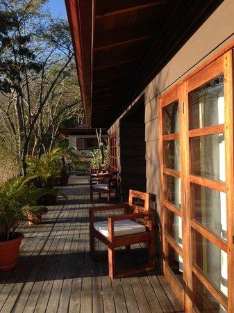 AHKi B&B Retreat: Outside our cabina
