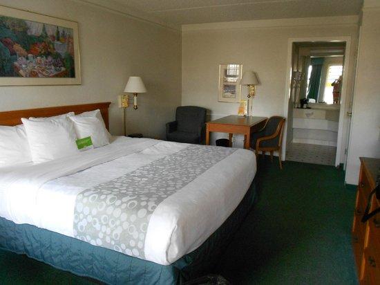 La Quinta Inn Denver Westminster Mall: king bed