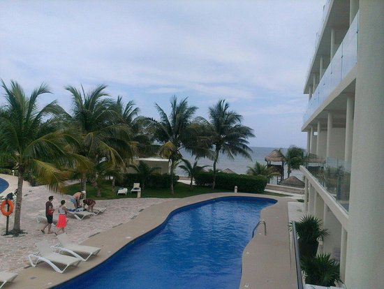Azul Beach Resort Riviera Cancun : The view from my room.