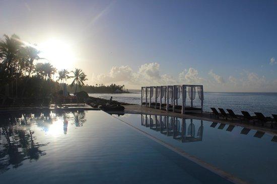 Viva Wyndham Dominicus Beach: club lookea end of resort