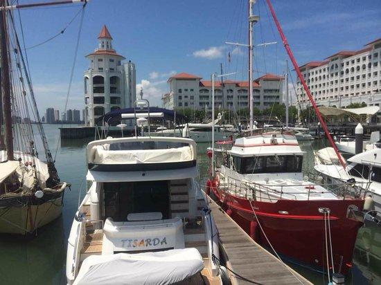 Eastern & Oriental Hotel: Straits Quay