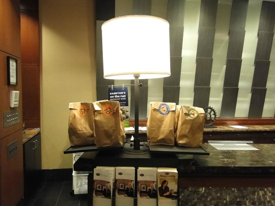 Hampton Inn Philadelphia Center City - Convention Center: Packed breakfast on the go