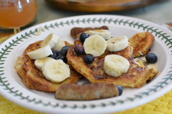 Firefly Bed and Breakfast : Issy's Special French Toast