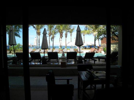 Kamala Beachfront Apartment: Amazing