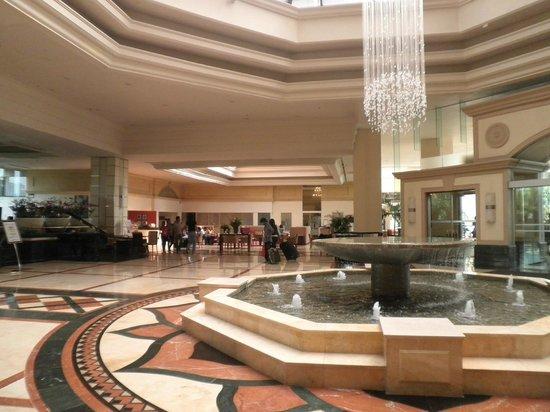 Cinnamon Grand Colombo: Hotel Foyer
