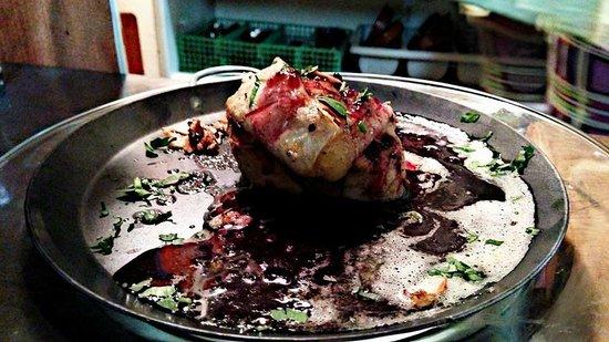 Bruno's Restaurant: Baked Camembert