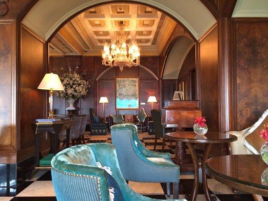 The Taj Mahal Palace: The Palace Lounge