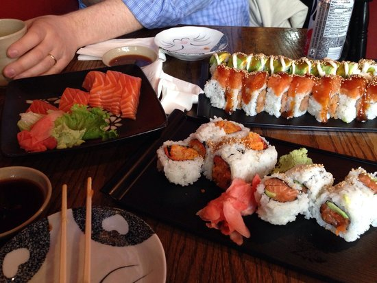 Yamato Sushi: Picture doesn't convey how huge the pieces really are...wow!