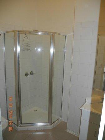 Hotel Sophia: ванная